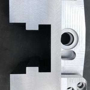 element metalowy 14